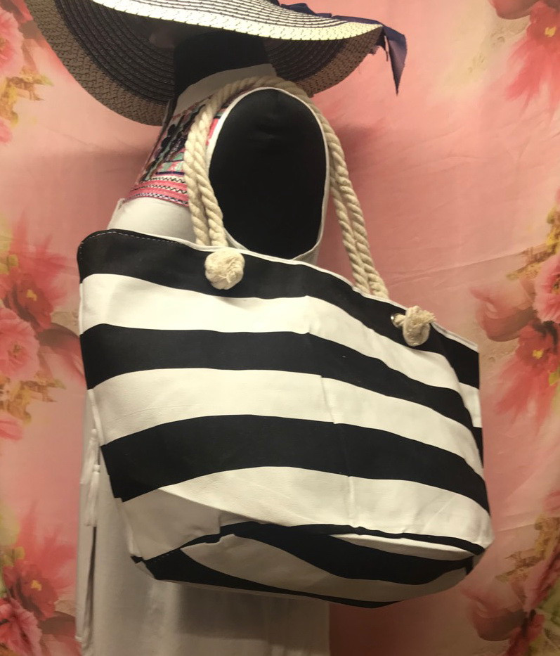 Пляжная объемная сумка с овальным дном в полоску