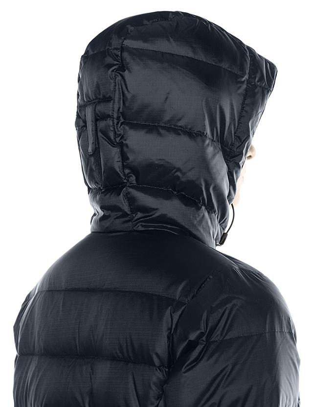 Ширина под руками - 51 см. Ширина в талии - 48 см. Ширина в бедрах - 56 см.  Длина куртки спереди - 79 см. Длина куртки сзади - 87 см. Ширина плечей -  41 см 472dd2da9f151