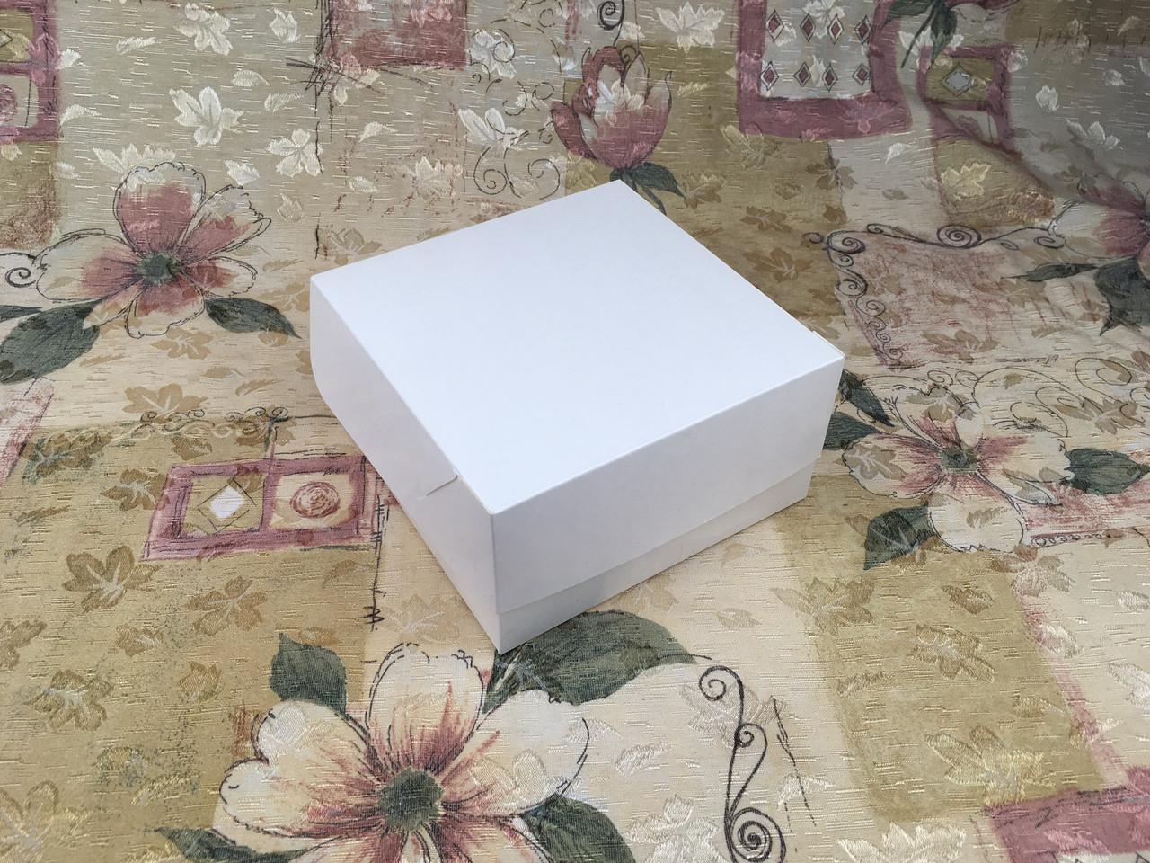 Коробка для 4-ох кексов / 170х170х90 мм / Белая / б.о.
