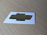 Наклейка s вставка в эмблему Chevrolet на руль крестик 44х14.5мм силиконовая золотистая эмблема авто Шевролет, фото 4