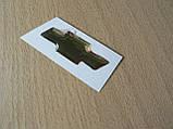Наклейка s вставка в эмблему Chevrolet на руль крестик 44х14.5мм силиконовая золотистая эмблема авто Шевролет, фото 3