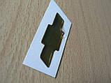Наклейка s вставка в эмблему Chevrolet на руль крестик 44х14.5мм силиконовая золотистая эмблема авто Шевролет, фото 5