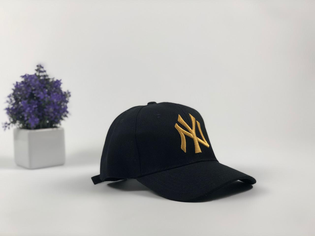 Кепка бейсболка New York Yankees (черная с золотым лого)