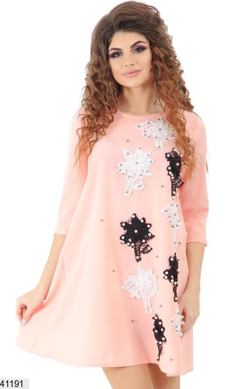 Летнее платье выше колен рукав до локтя цветы жемчуг вискоза персиковое