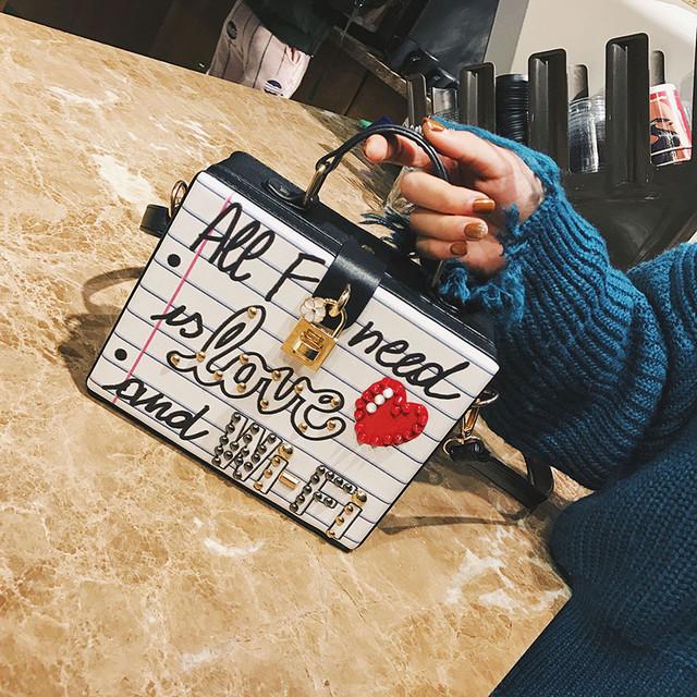 Каркасная сумочка Love
