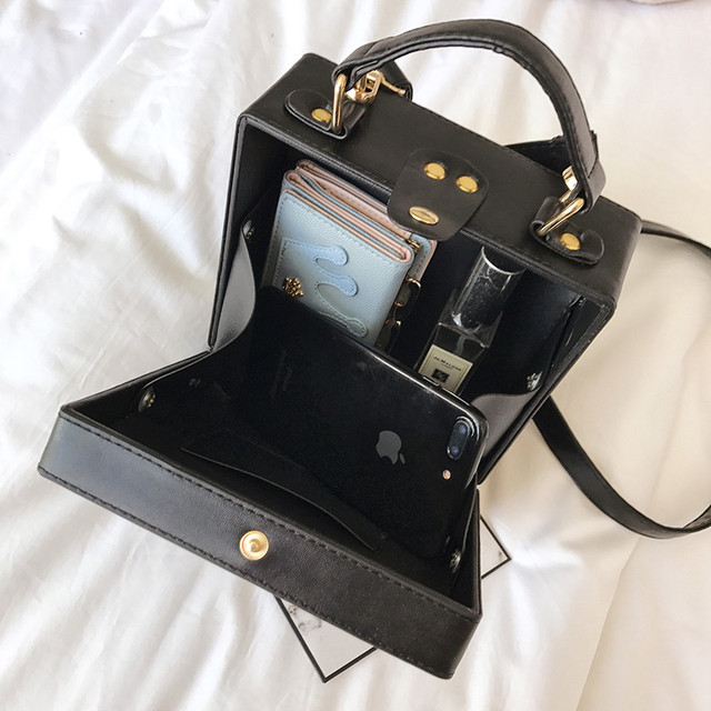 Каркасная сумочка