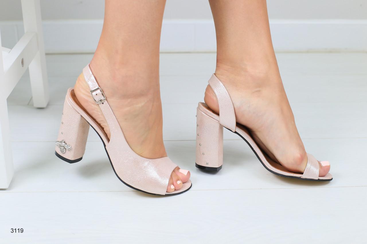 003e4ee4447a Женские кожаные босоножки на каблуке - Интернет-магазин обуви Vzuto в  Чернигове