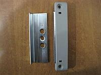 Балконная защёлка  АТ магнитная универсальная