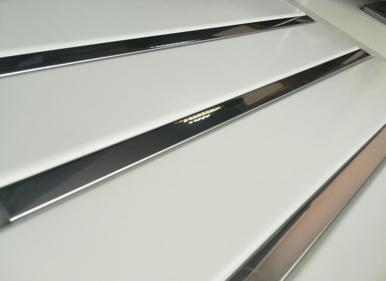 Реечный алюминиевый потолок белый с зеркальной вставкой, комплект