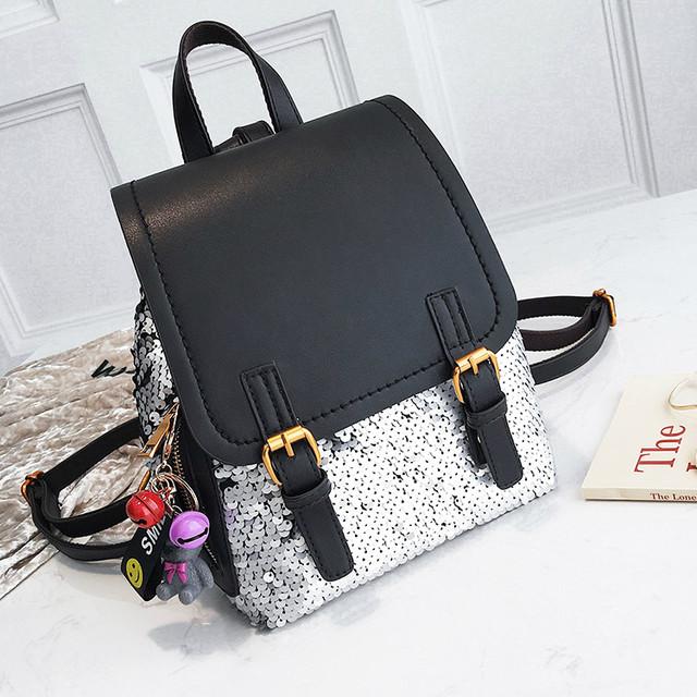 женский рюкзак в пайетках черный