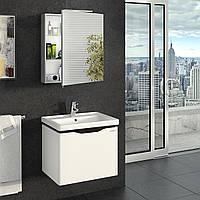 Зеркальный шкафчик в ванную Эверест 600