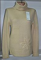 Зимний женский свитер бежевого цвета мохер