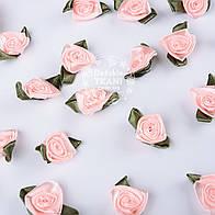 Розочки пудрового цвета с лепестком, средние (10шт)