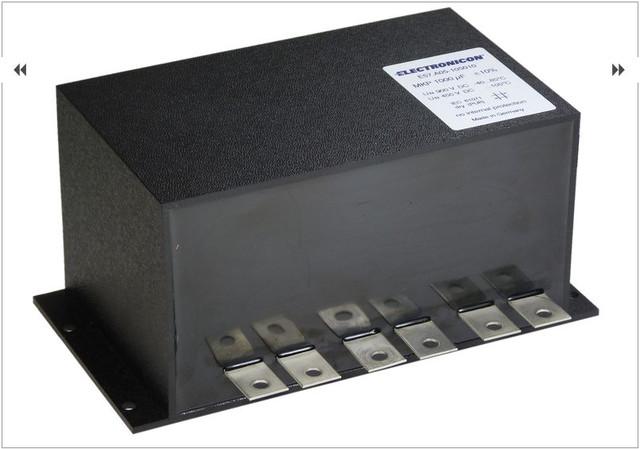 Конденсатори постійної напруги (DC) конденсатори для застосування електромобілях.