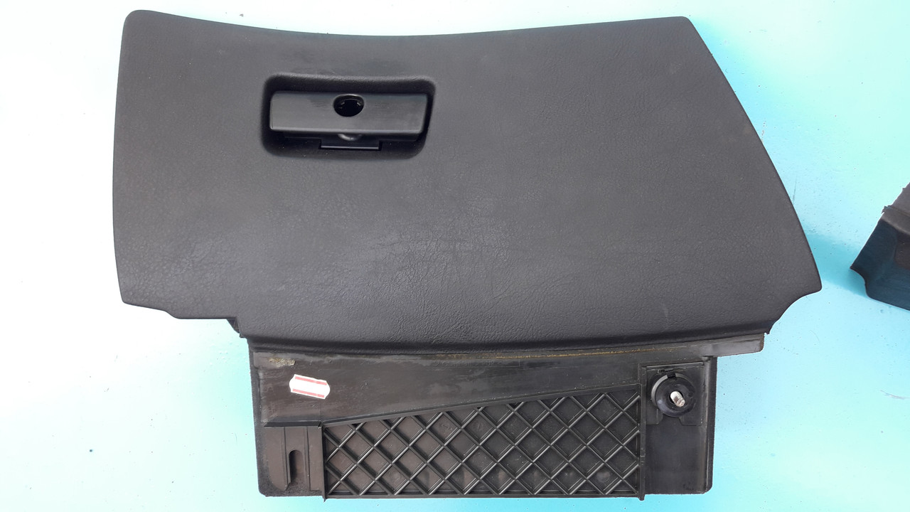 Бардачок черный бмв е39 BMW E39