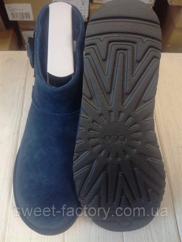 Продам новые зимние ботинки угги UGG M Classic Mini Strap