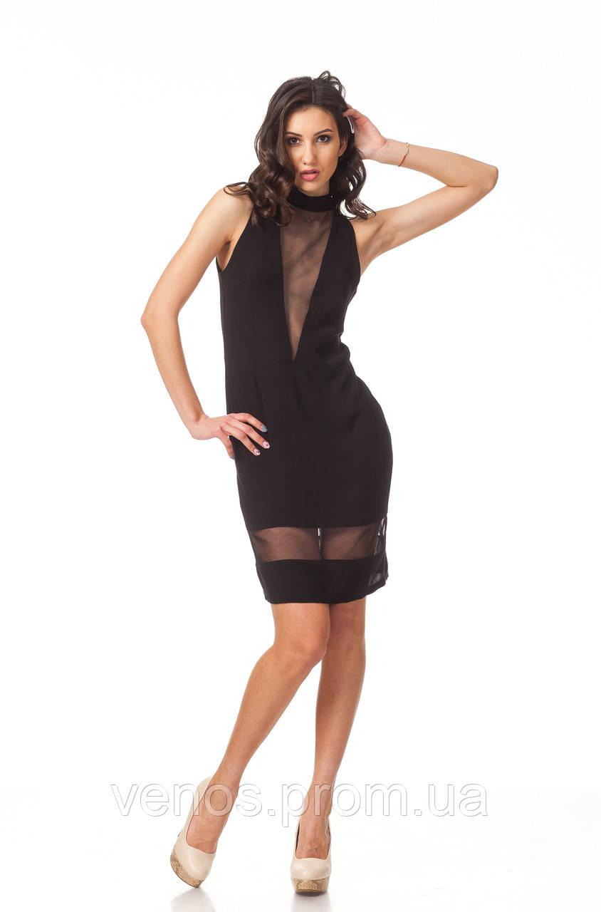 Женское платье с глубоким декольте. П109