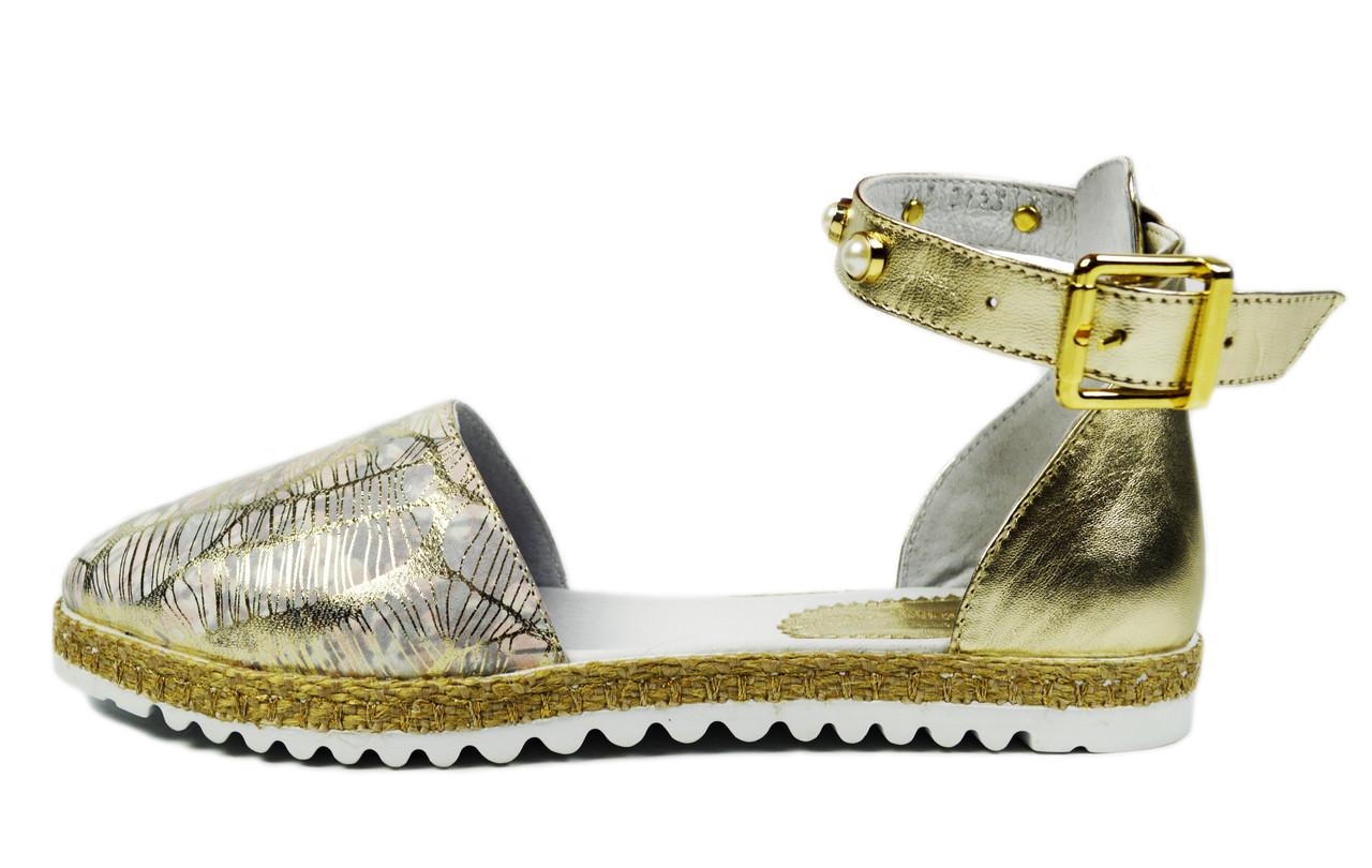 Золотистые женские кожаные босоножки LEONY с закрытым носком и пяткой