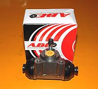 Тормозной цилиндр колесный ABE C5M000ABE Mercedes 100 Nissan trade