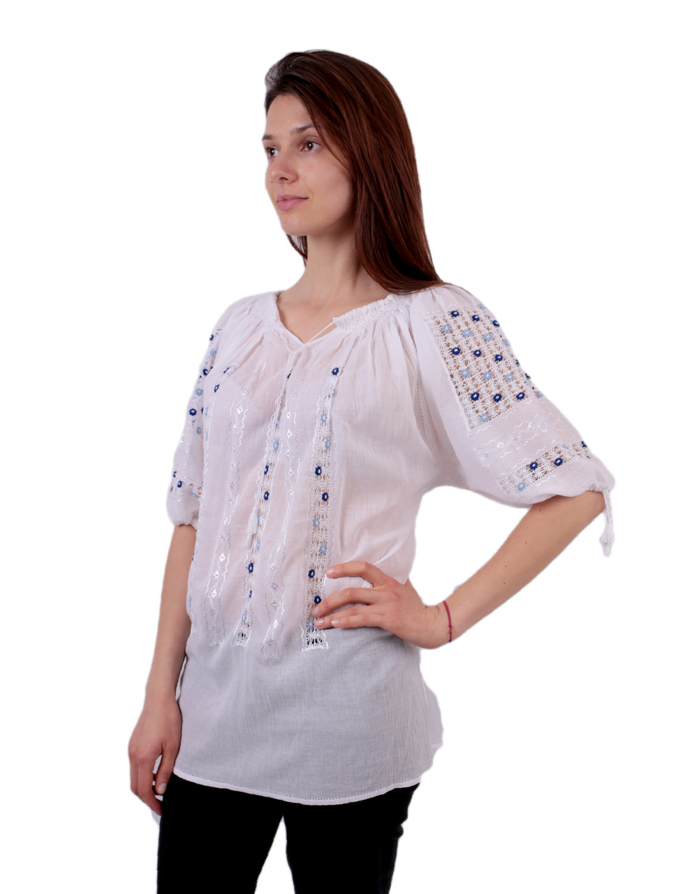 Жіноча вишита сорочка/блузка марльовка з голубим орнаментом на короткий рукав