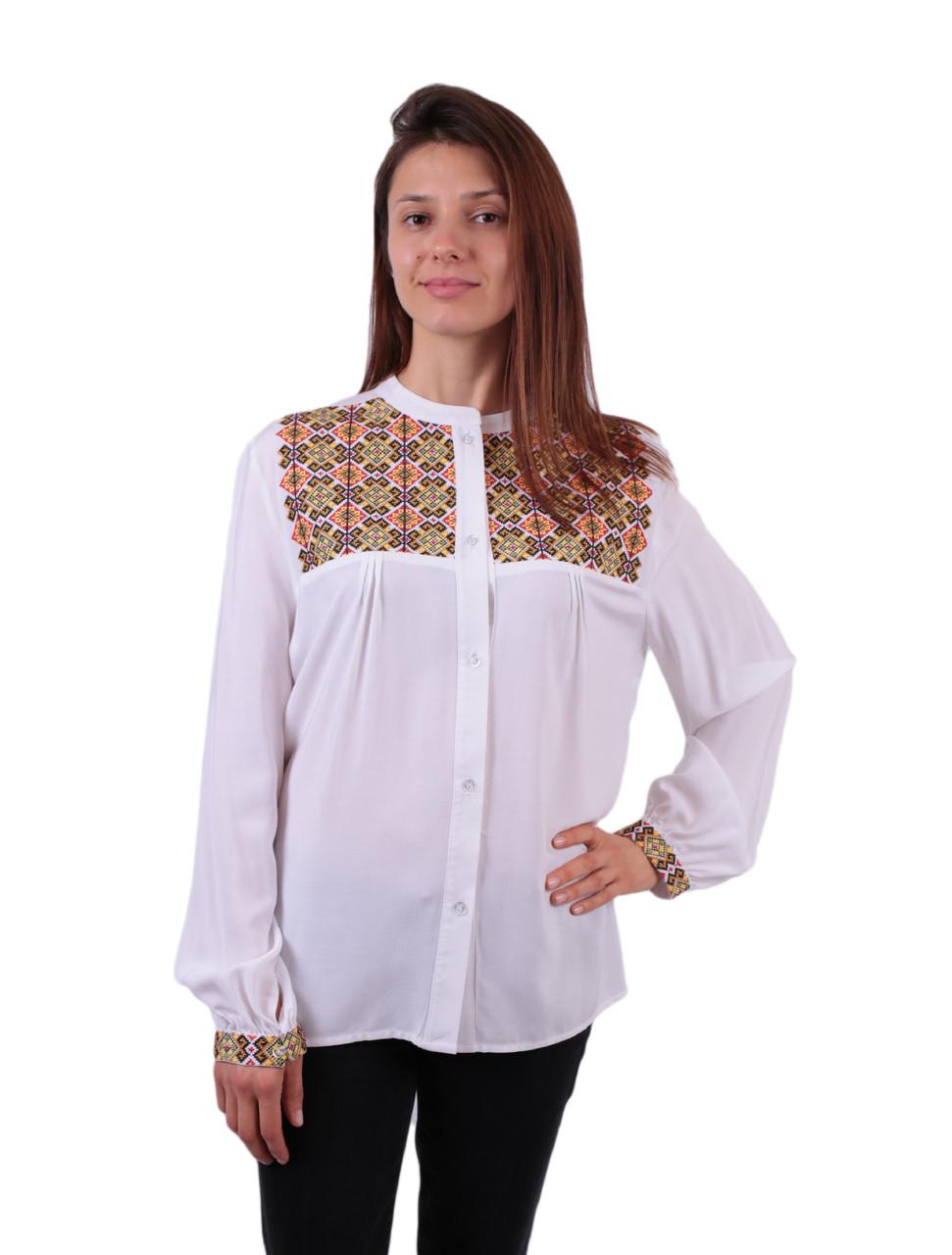 Жіноча вишита сорочка/блузка з машинною вишивкою на штапелі