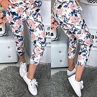 Красивые брюки с модным летним принтом