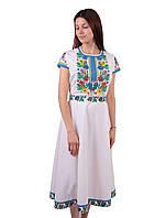 Вишите плаття білого кольору з машинною вишивкою