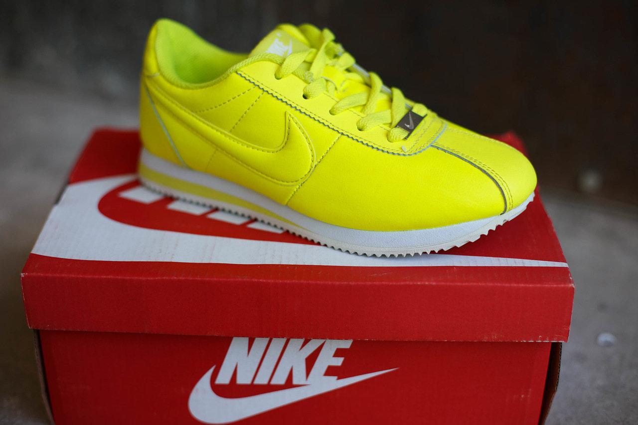 Женские кроссовки Nike (лимонные)