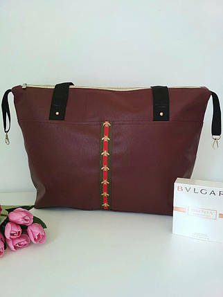 Модная женская сумка бордовая с контрастными ручками, фото 2