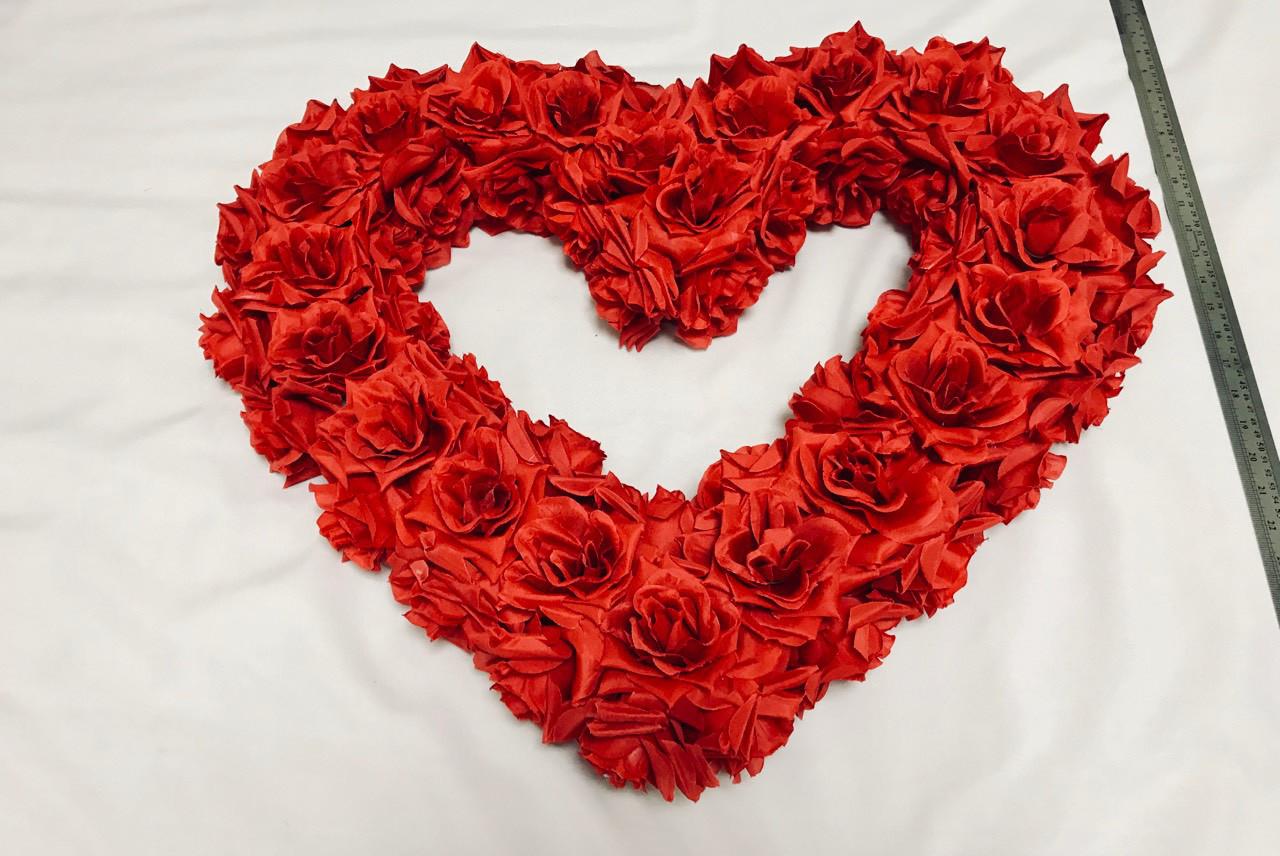 """Свадебные украшения на машину  """"Сердце молодых """" красное"""