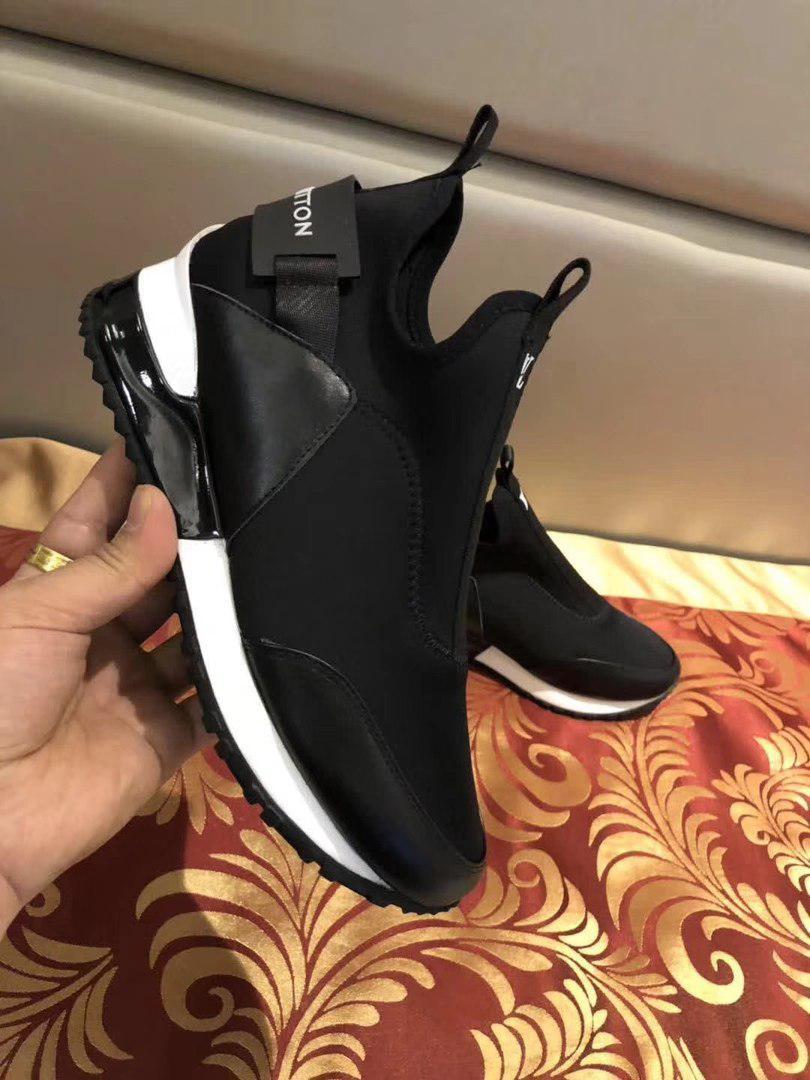 8c5c138d21d7 Louis Vuitton Run Away Сникеры — в Категории
