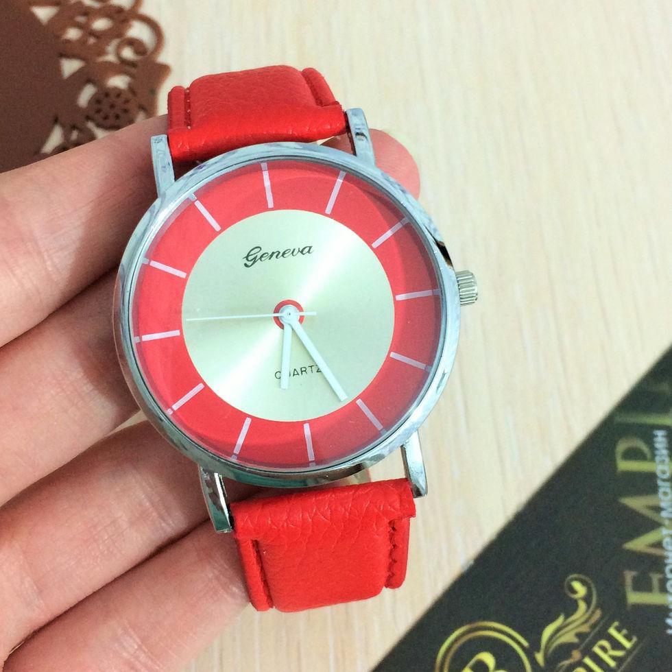 """Стильные часы """"Линдси"""". красный"""