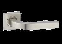 Дверная ручка на розетке MVM Qvadro S - 1134 SS