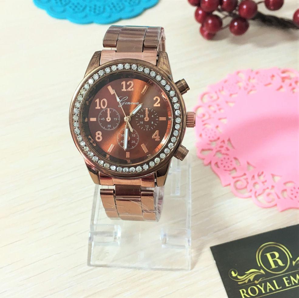 """Часы """"Данна"""", красивые с кристаллами. коричневый"""