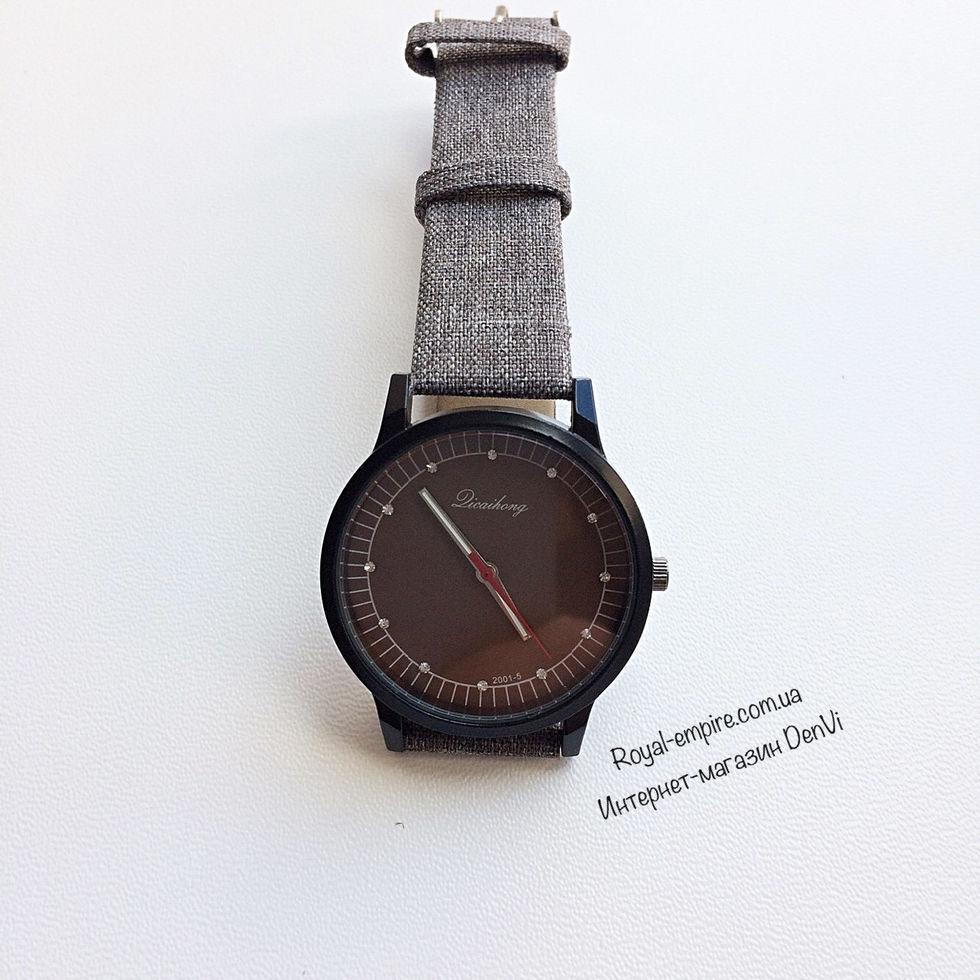 """Годинник """"Квін"""" кварцові на ремінці. коричнево-сірий"""