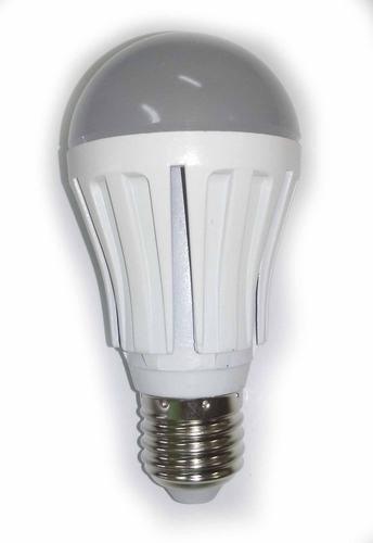 Светодиодная лампочка с обычным цоколем