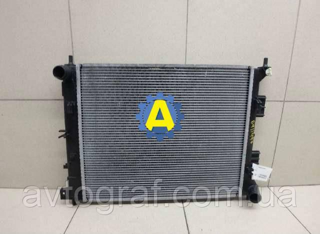 Радиатор охлаждения двигателя(основной) на Киа Сид (Kia Ceed) 2012-2016