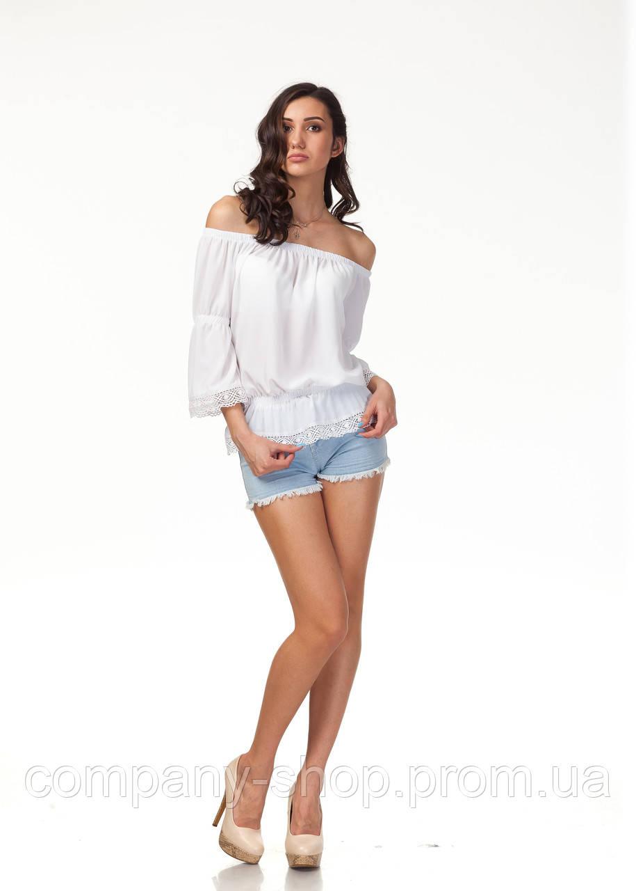 Блуза с кружевом с открытыми плечами. Модель К092_белая жатка