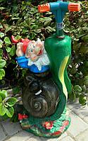 Садово-паркова фігура Поливалка Гном на равлику 48 см Садово-парковая фигураПоливалка Гном на улитке