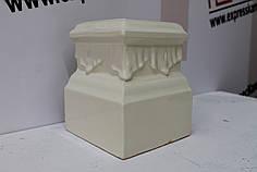 Цоколь кутовой  «Цветок» слоновая кость