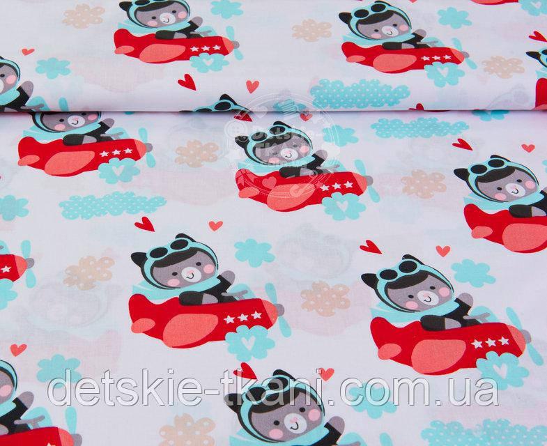 """Лоскут ткани №967а  Мишки в красных самолётах"""" на белом фоне, размер 38*80 см"""