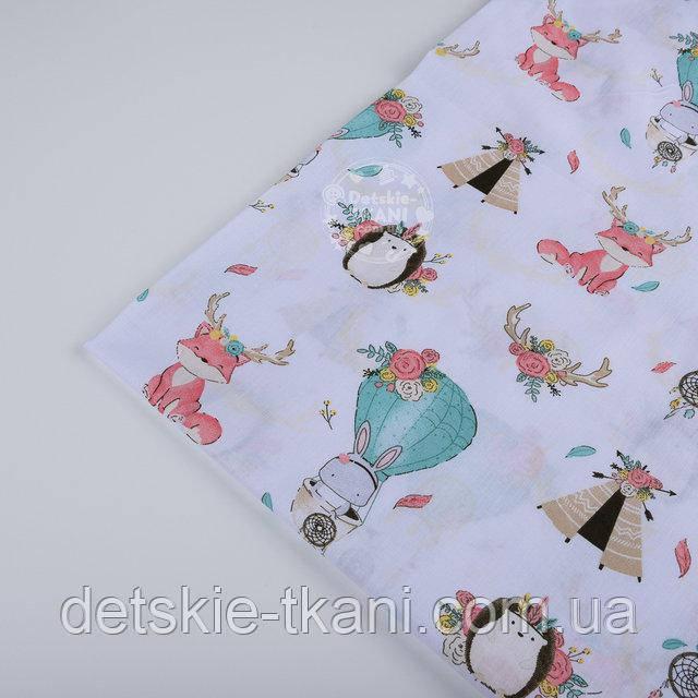 """Лоскут ткани №1280а """"Лисички и роги оленя мятно-розового цвета"""" на белом фоне"""