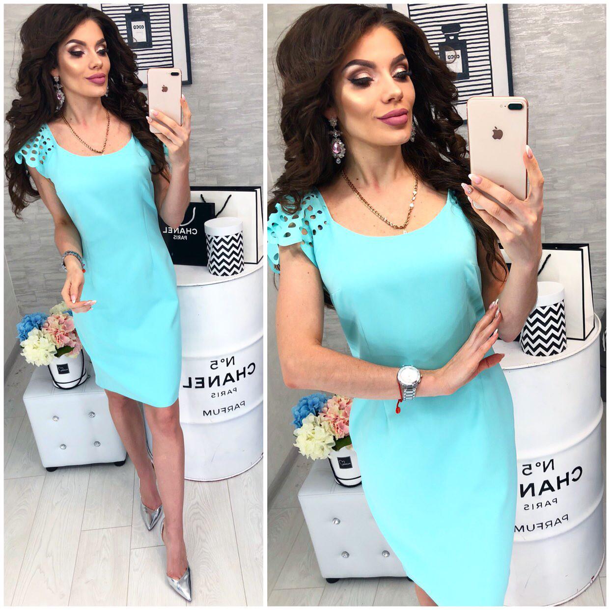 Платье с выбитым рисунком на коротком рукаве , модель 106, цвет Голубой
