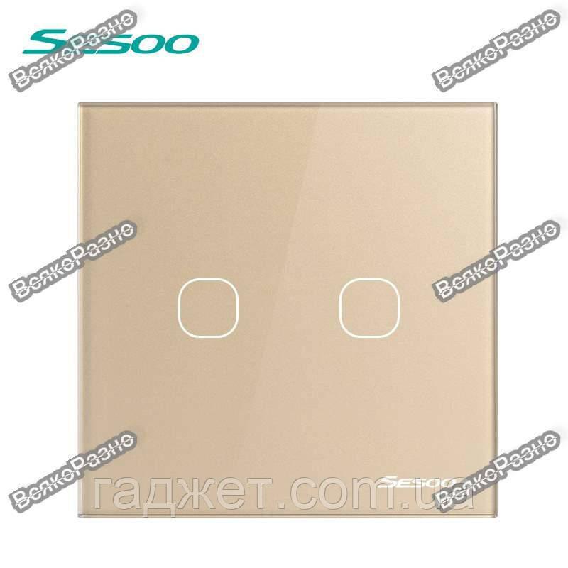 Двухлинейный сенсорный выключатель Sesoo золотого цвета.