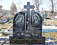 2.3. Памятник гранитный двойной с крестом на узорной подставке