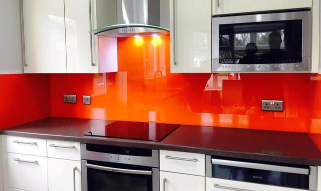 скинали-из-однотонного-стекла-лакобель-оранжевый