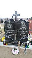 2.4. Памятник гранитный двойной с крестом на подставке