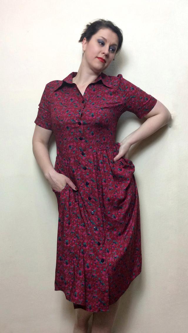 Штапельное платье с карманми
