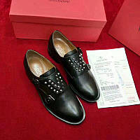 2700e165dafc Кожаные ботинки VALENTINO Soul Rockstud на низком каблуке (реплика ...