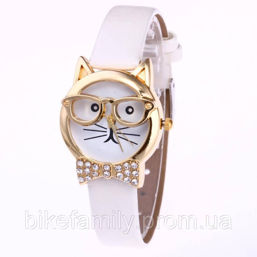 Кварцевые часы Кот белые